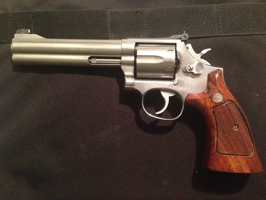 Smith and wesson 686 serial number hookup
