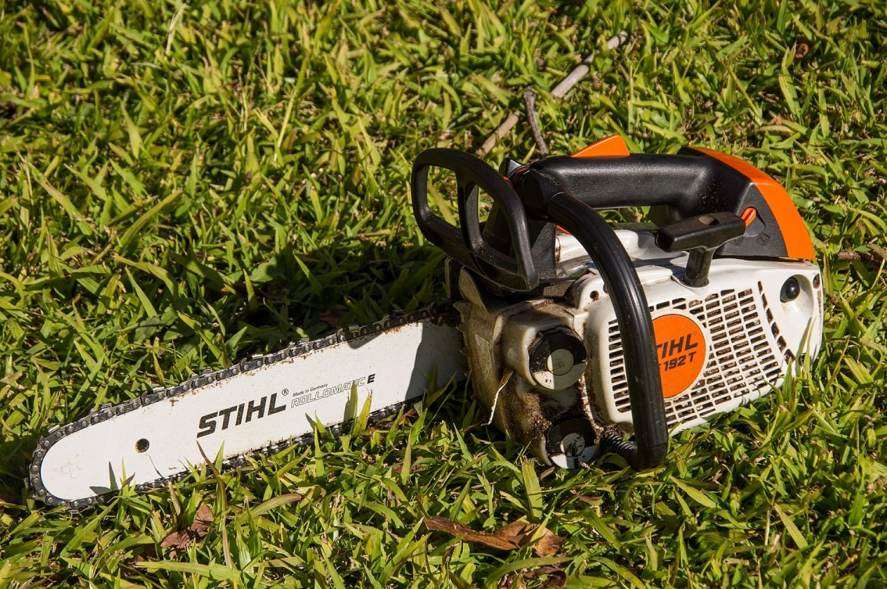 Chainsaw Starts Perfect, Runs Good, But Once It Gets Hot It Will Die
