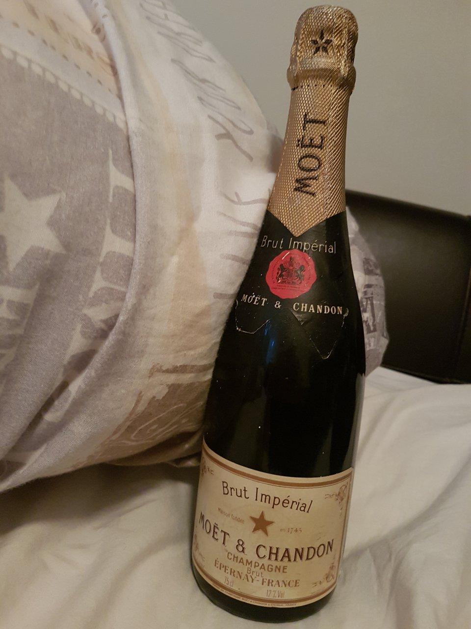 champagne 1743
