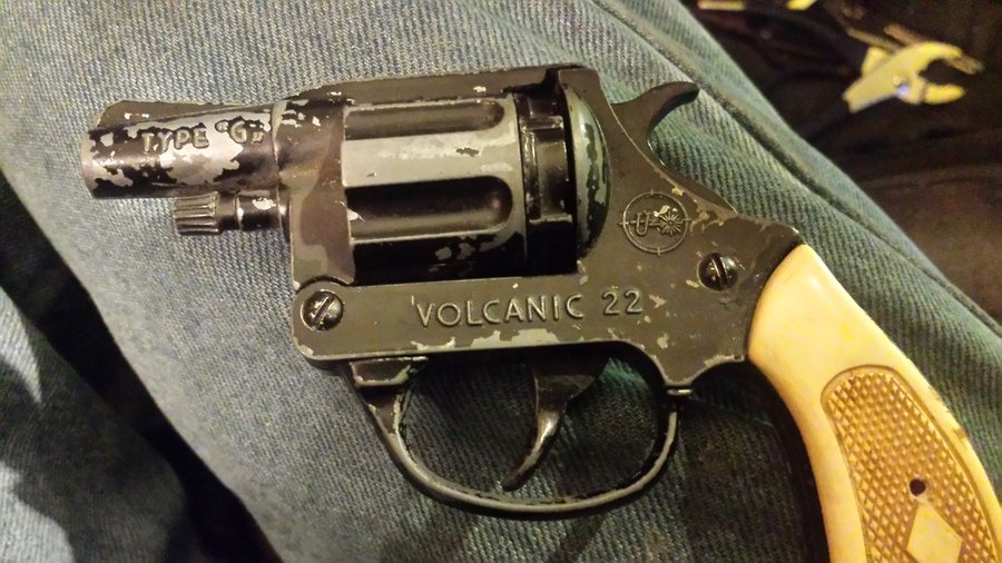 I Have A Volcanic 22 Model V22 Made In Italy  Has Uniwerk On