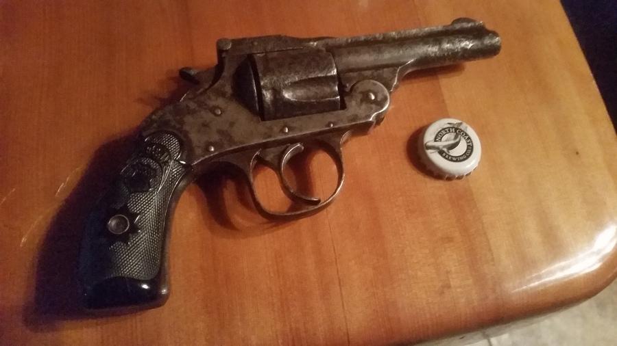 F&W 32 Top Break Revolver 5 Shot | Gun Values Board