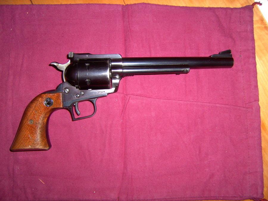 Ruger 44mag. Super Blackhawk 3 Screw 7 1/2 Barrel Flat Top