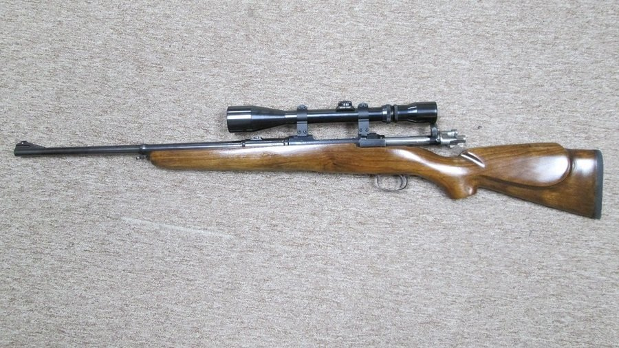 NEEED HELP IDENTIFYING AND VALUING ZBROJOVKA BRNO | Gun