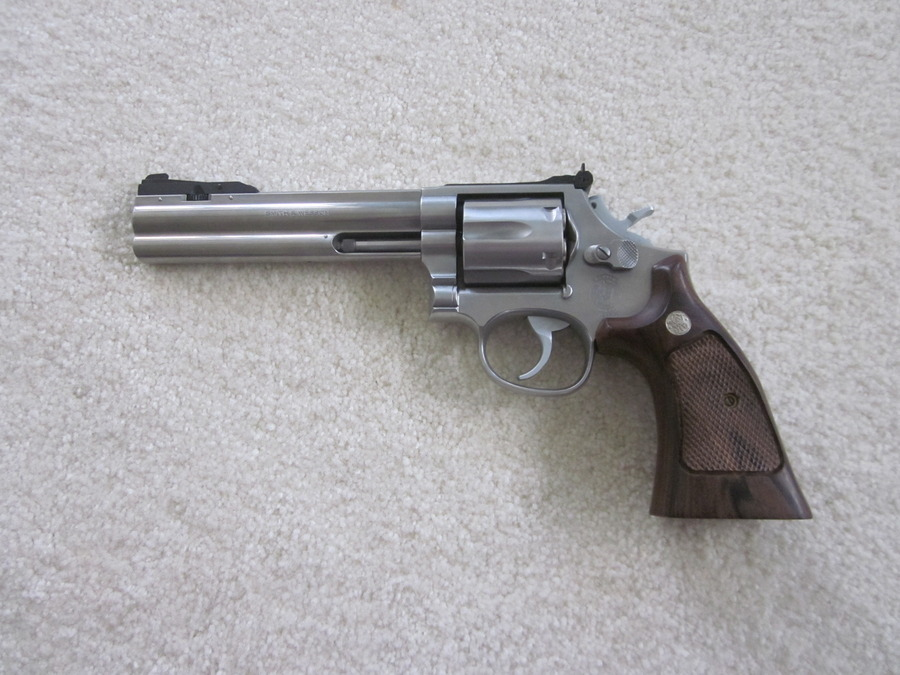 Value S&W Model 686 6 Inch Barrel Target Grips And Rubber Grips ...