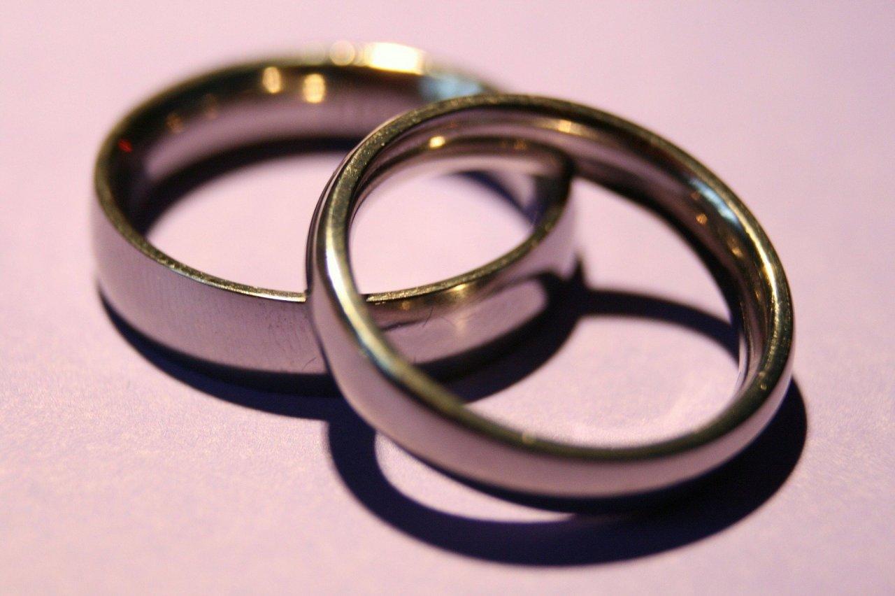 wedding-rings-1379793_1920-e5yaplvh74.jpg